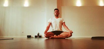 Taller de Acercamiento a Yoga